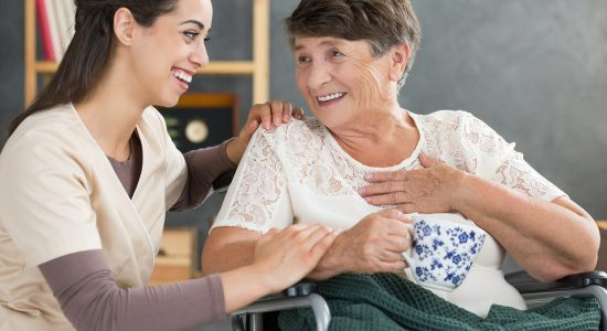 Cuidar al que cuida: taller para cuidadores y familiares de enfermos y adultos mayores