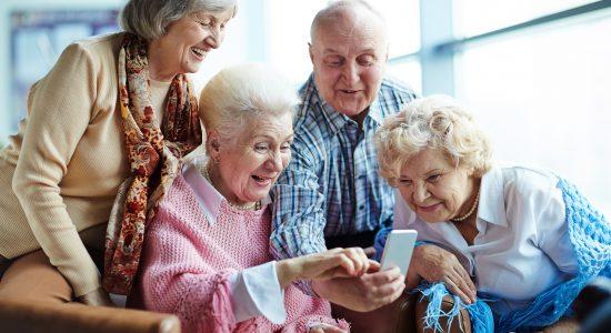 Uso Básico de Teléfonos Inteligentes para Adultos Mayores