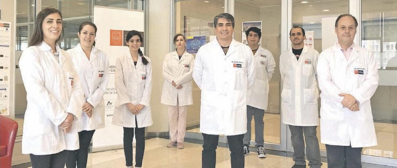Investigadores del Laboratorio de Virología de la sede Santiago