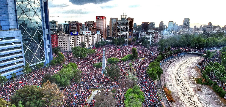 Académica de la Universidad de Chile dictó conferencia a estudiantes de Administración Pública sobre proceso constituyente
