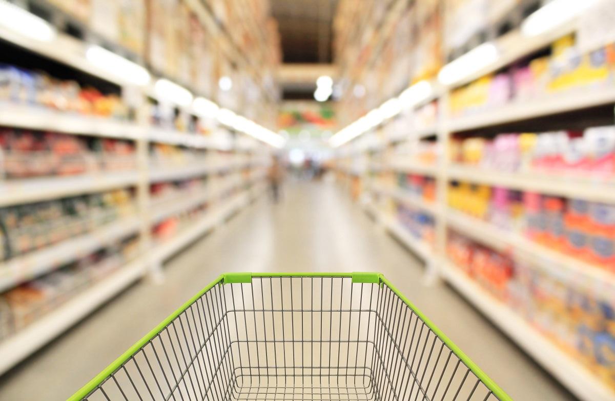 Académica reconoce beneficios de proyecto de ley que obligaría a supermercados a donar alimentos próximos a ser desechados