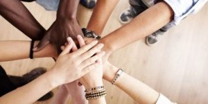 Expertos analizaron la interculturalidad desde la educación y el género