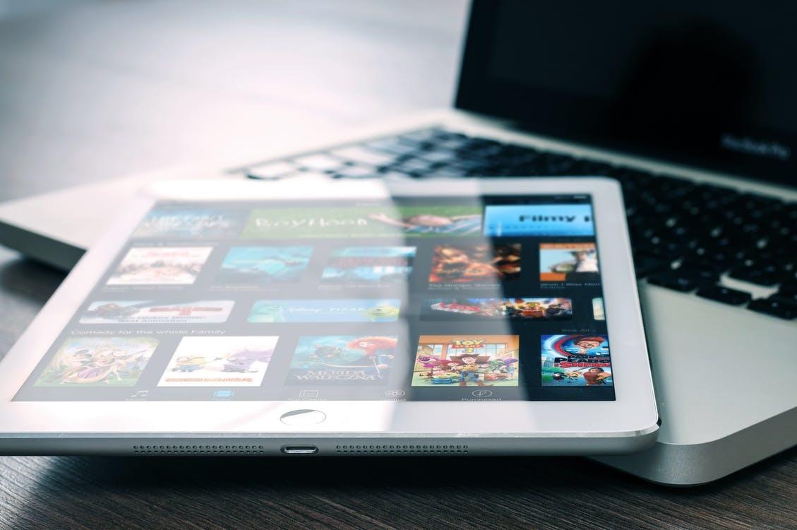 Redes Sociales son la principal entretención de talquinos según estudio de la U. Autónoma