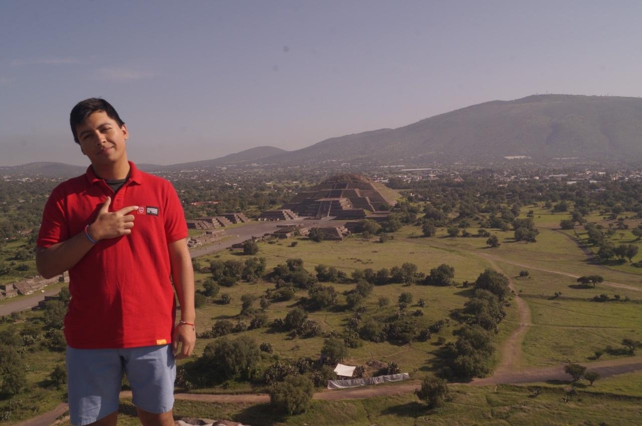 """Estudiante de la U. Autónoma es el primer chileno en formar parte de la comunidad """"Learn Student Ambassadors"""" de Microsoft"""