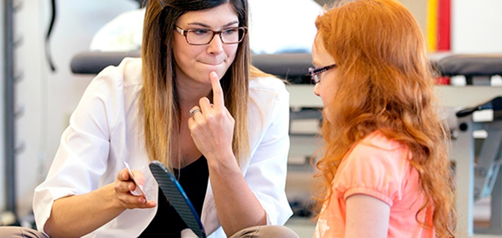 Fonoaudiólogos profundizaron en concepto de discapacidad comunicativa y el rol del profesional