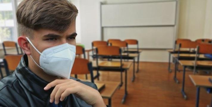 Académicos de Trabajo Social presentaron libro colectivo «Intervención social y educativa en tiempos de pandemia»