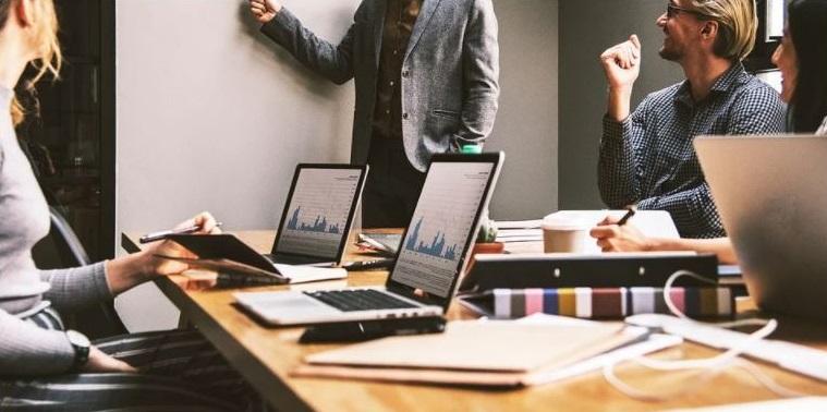 Mirada sistémica global y capacidad resolutiva: habilidades directivas claves que desarrolla MBA de la Universidad Autónoma de Chile