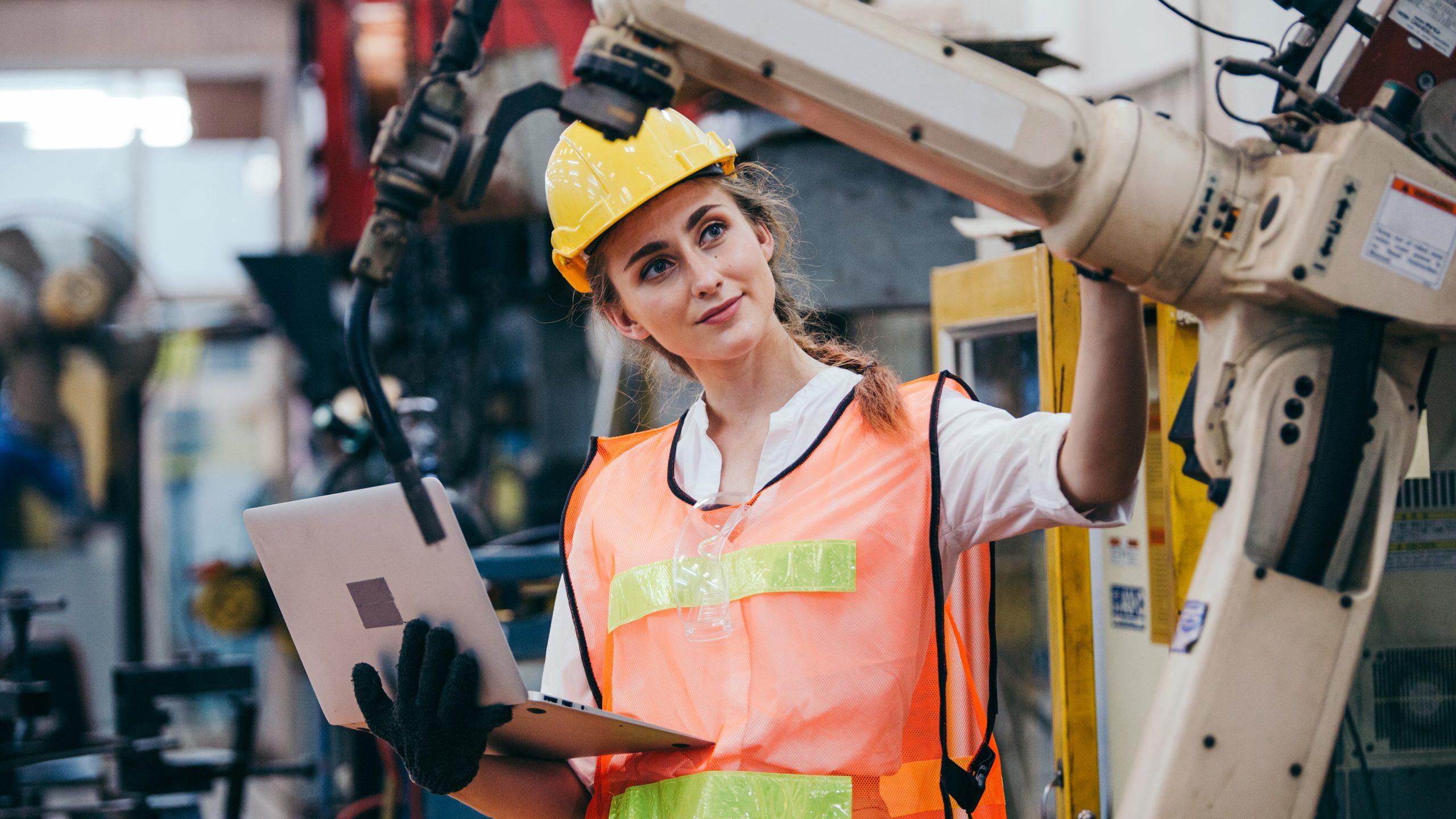 Ingeniería Civil Industrial reúne a mujeres ingenieras en segunda versión de ciclo webinar
