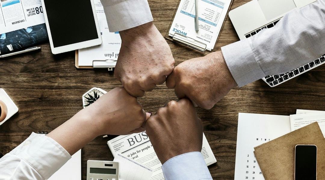 Académico de la Facultad de Administración y Negocios trabaja en investigación sobre el rol de los microempresarios en Latinoamérica